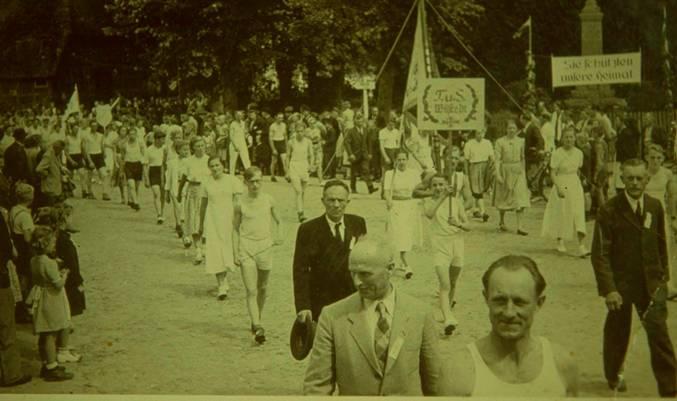 1951 Festumzug durch Gyhum